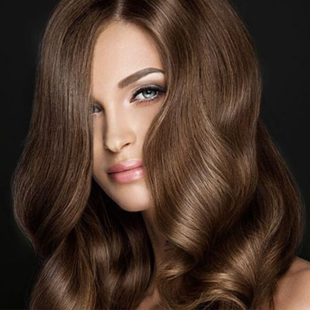 Model and color of women's youthful hair